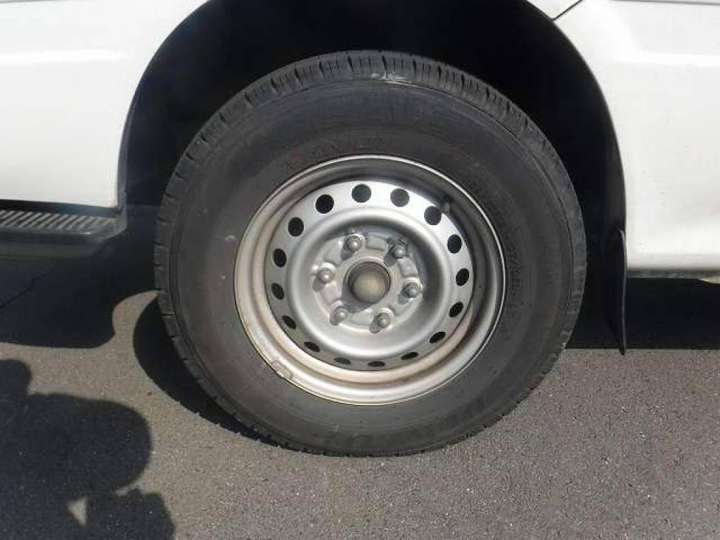 Used 2004 AT Toyota Hiace Van TRH112V Image[27]