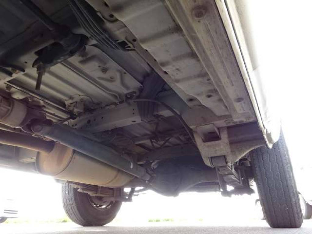 Used 2004 AT Toyota Hiace Van TRH112V Image[15]