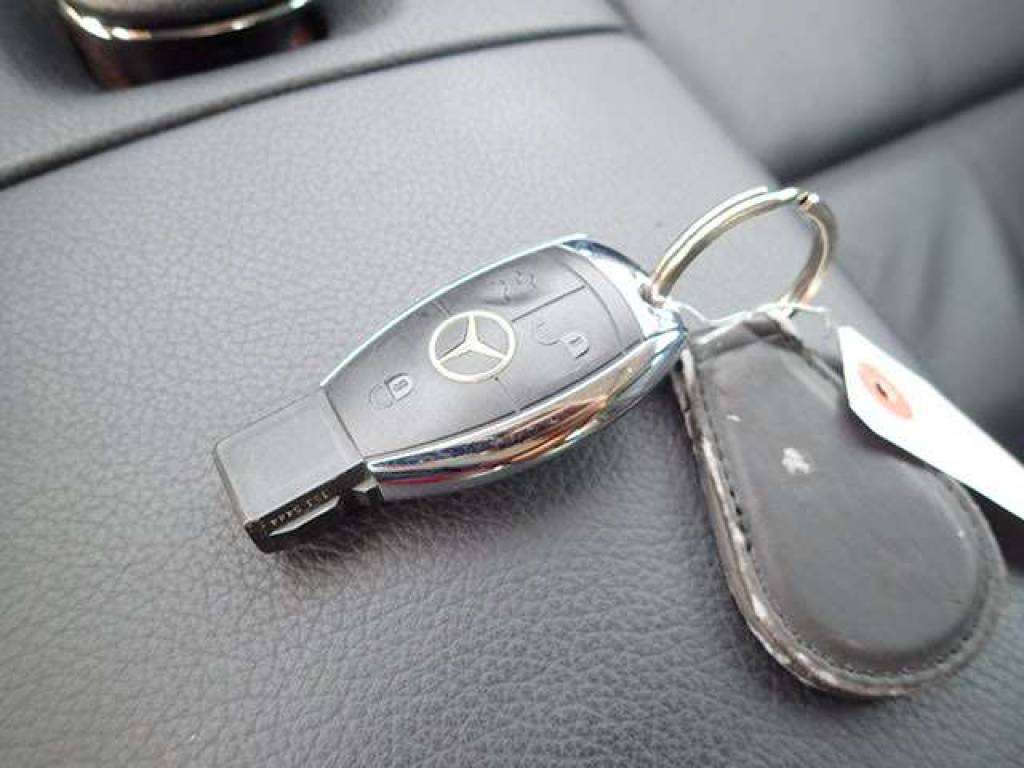 Used 2006 AT Mercedes Benz S-Class 221056 Image[14]