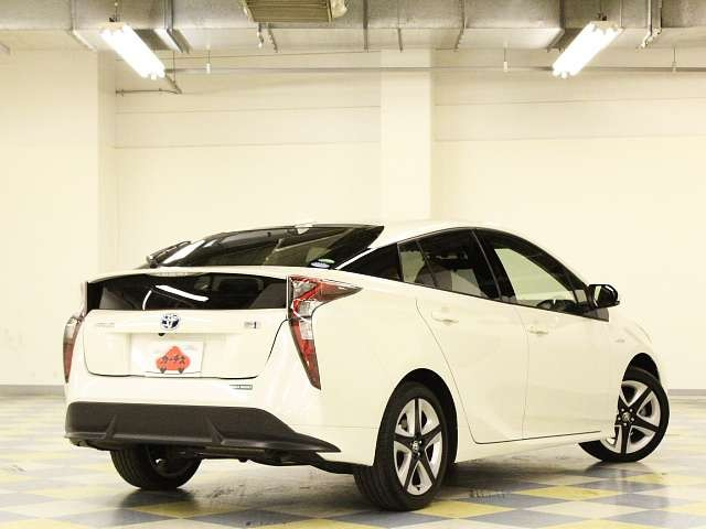 Used 2016 CVT Toyota Prius DAA-ZVW50 Image[2]