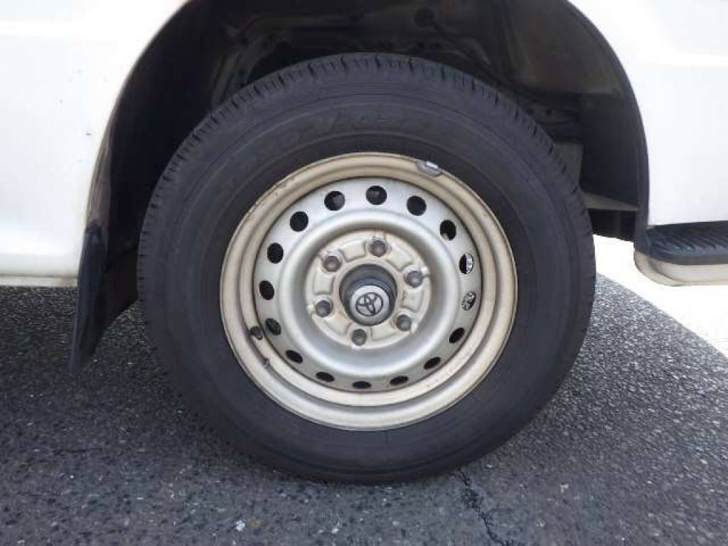 Used 2002 AT Toyota Hiace Commuter RZH125B Image[17]