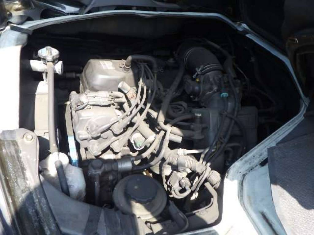 Used 2002 AT Toyota Hiace Commuter RZH125B Image[22]