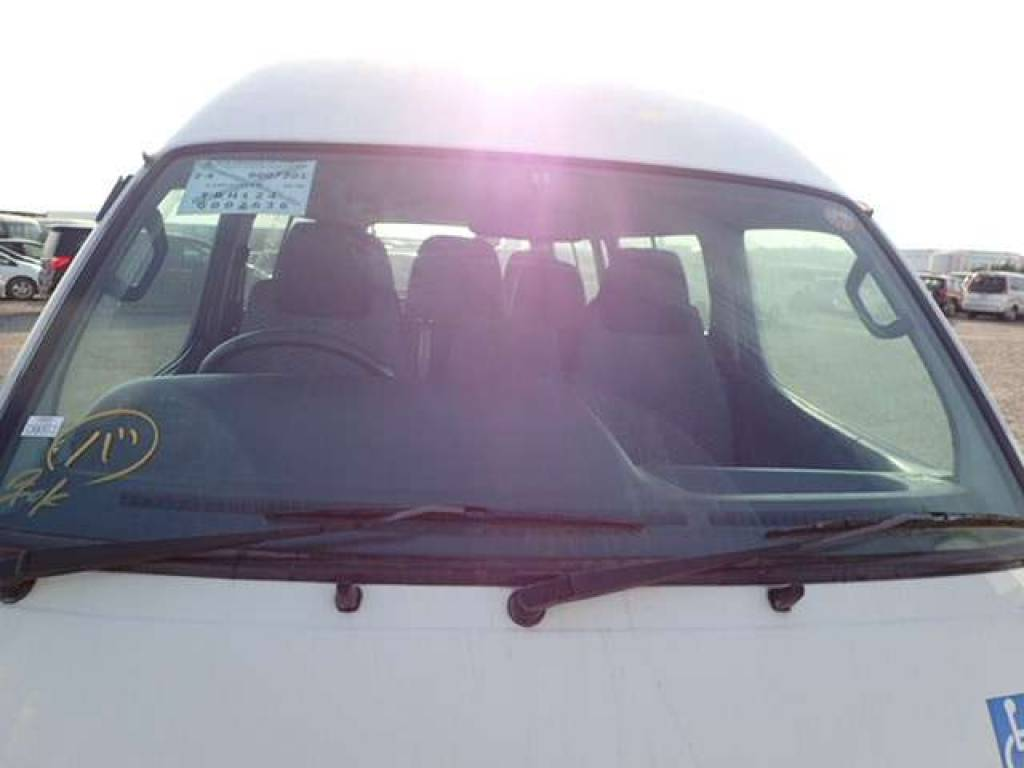 Used 2004 AT Toyota Hiace Commuter TRH124B Image[9]
