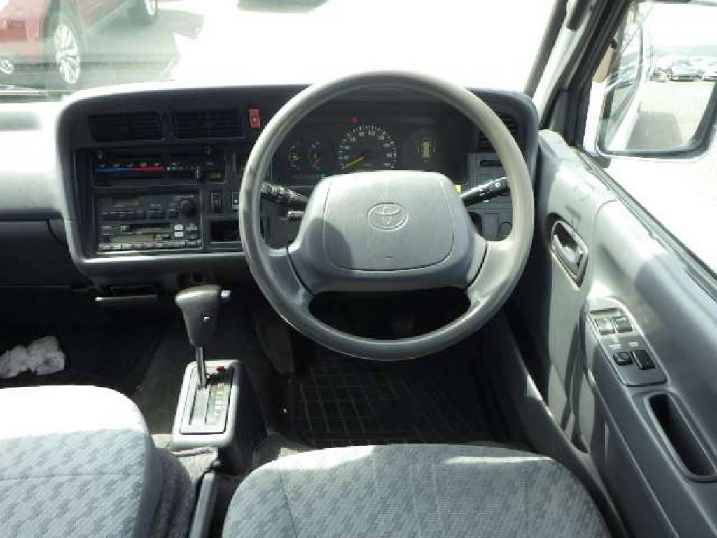 Used 2001 AT Toyota Hiace Commuter RZH125B Image[6]