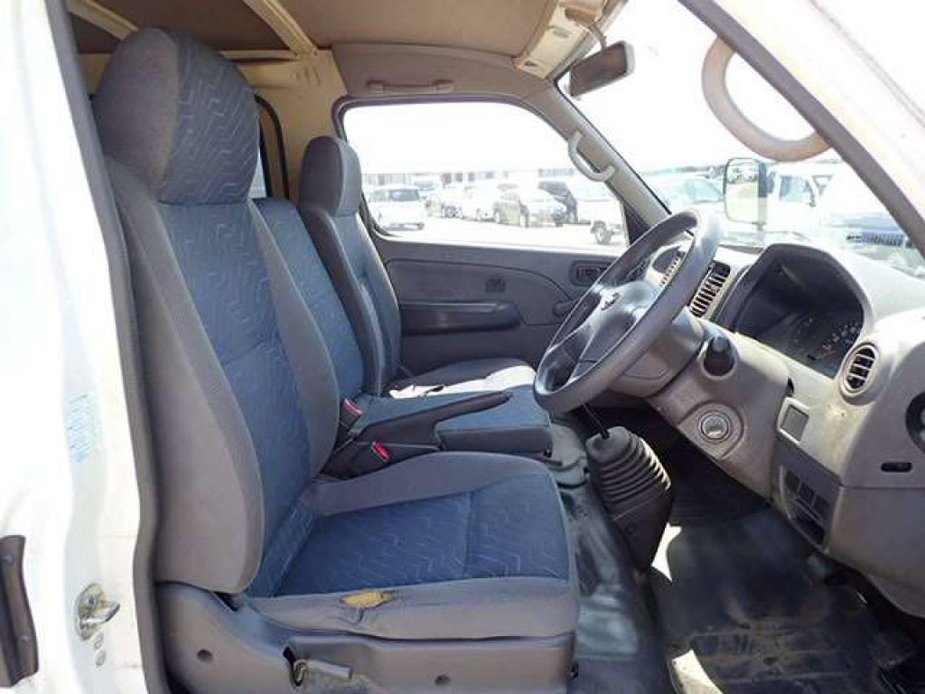 Used 2004 MT Nissan Caravan Van VPE25 Image[7]