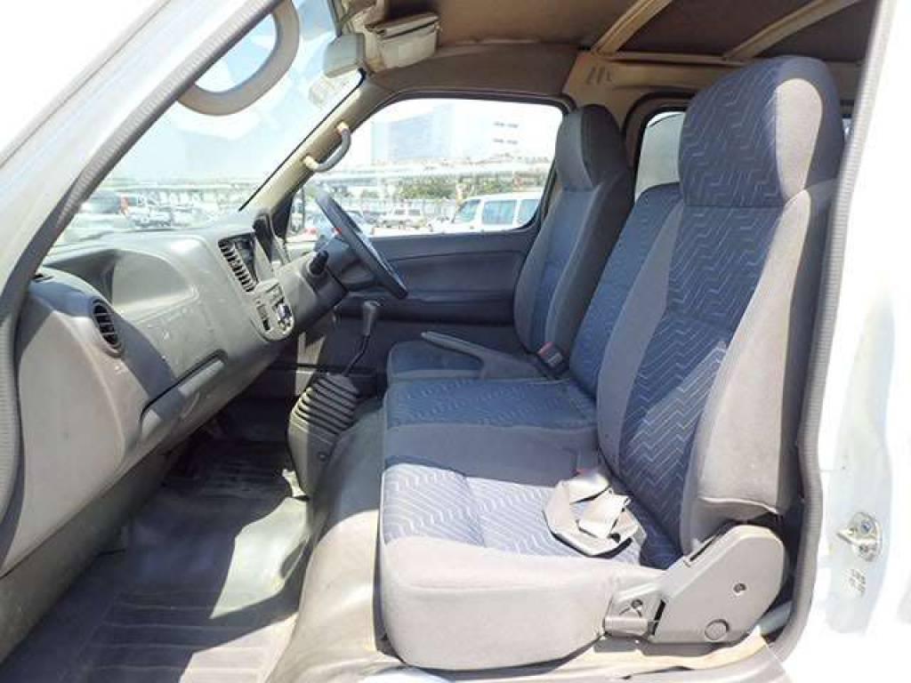 Used 2004 MT Nissan Caravan Van VPE25 Image[8]