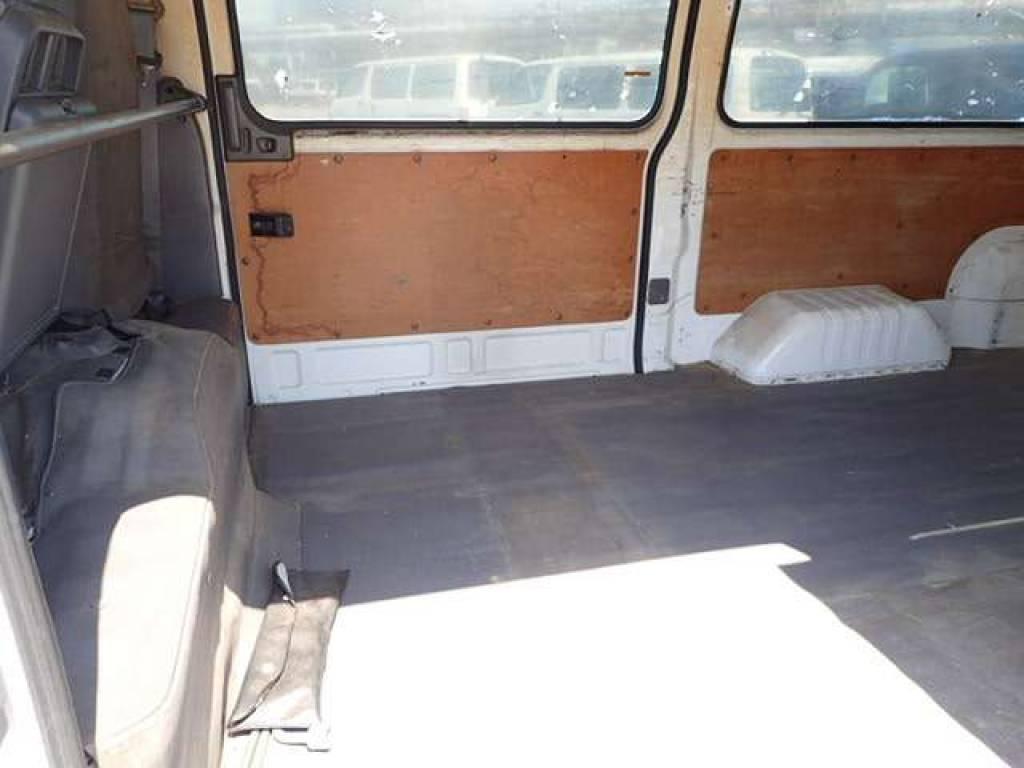 Used 2004 MT Nissan Caravan Van VPE25 Image[9]