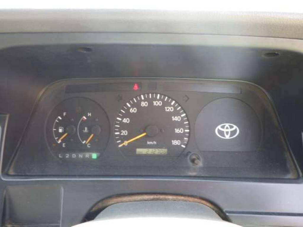 Used 1998 AT Toyota Hiace Van RZH102V Image[11]