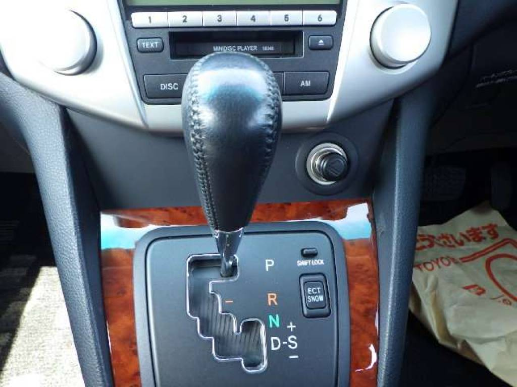 Used 2006 AT Toyota Harrier ACU30W Image[15]