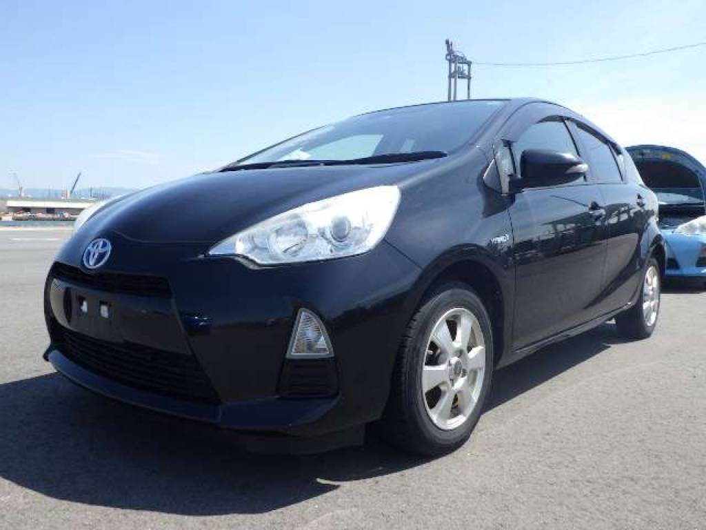 Used 2013 AT Toyota Aqua NHP10