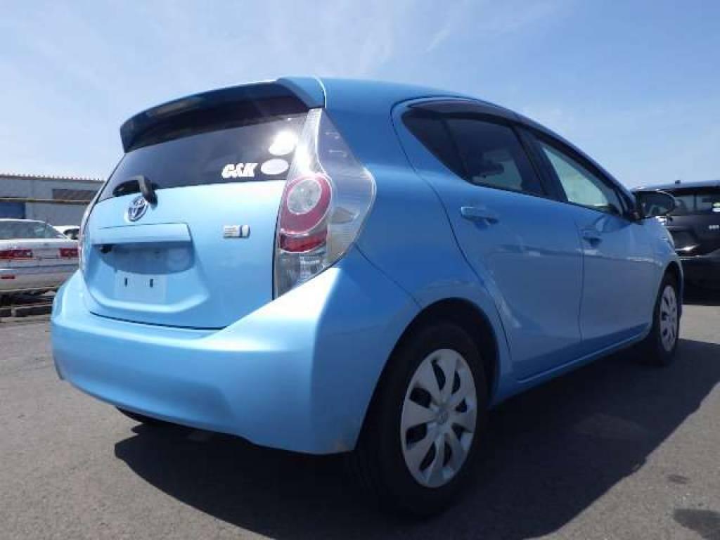 Used 2012 AT Toyota Aqua NHP10 Image[2]
