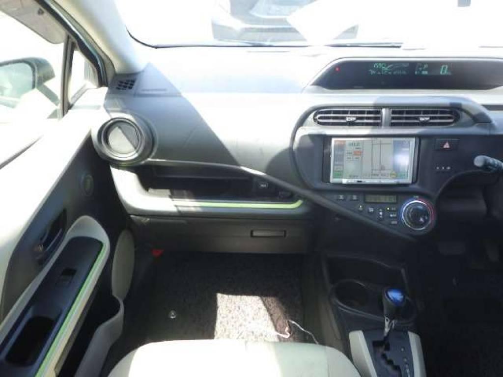 Used 2012 AT Toyota Aqua NHP10 Image[12]