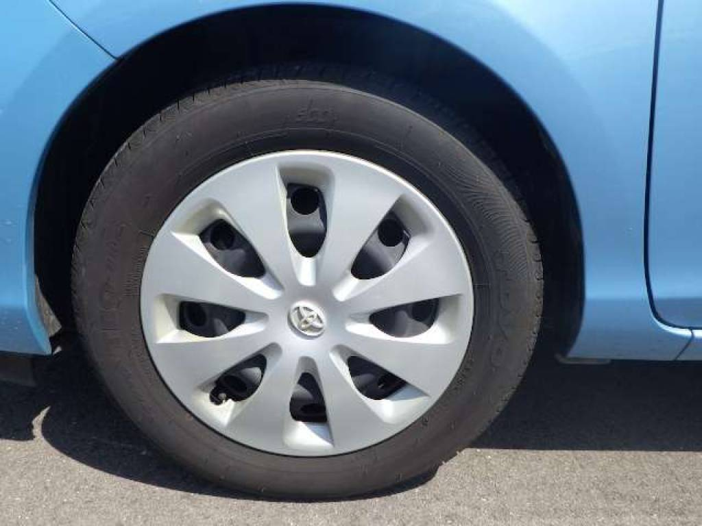 Used 2012 AT Toyota Aqua NHP10 Image[17]