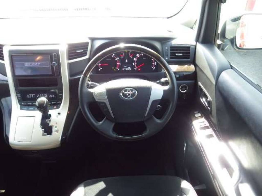 Used 2013 AT Toyota Velfire ANH20W Image[9]