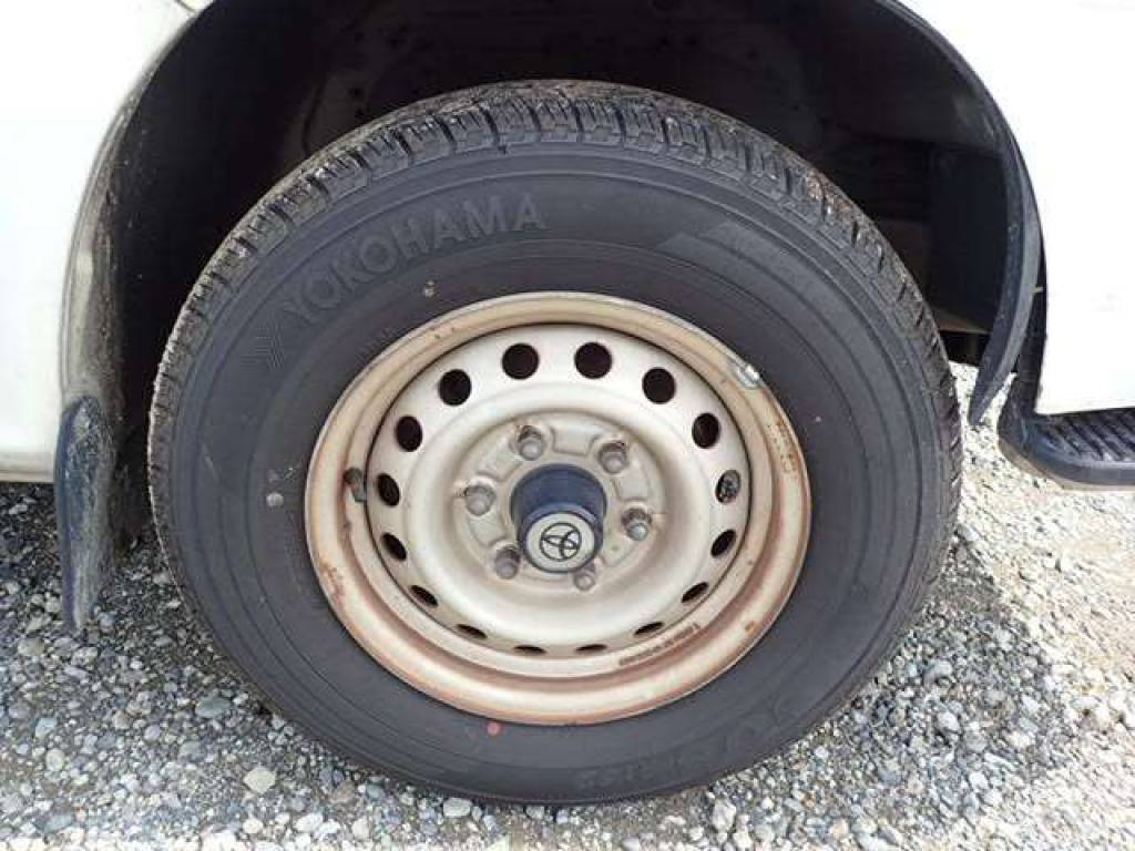 Used 2004 AT Toyota Hiace Van TRH112V Image[17]