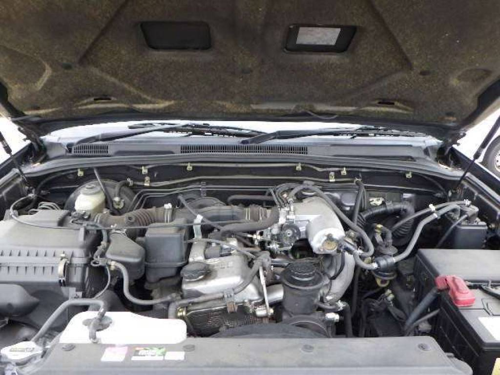 Used 2004 AT Toyota Hilux Surf RZN215W Image[6]