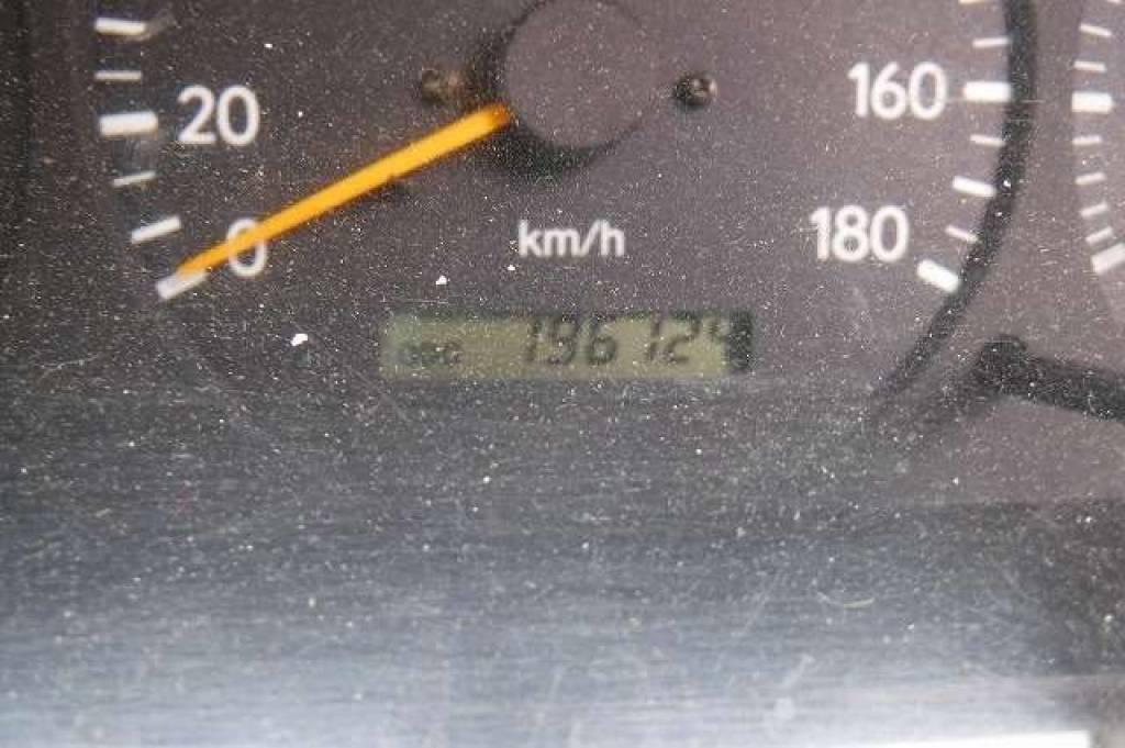 Used 2003 AT Toyota Hiace Van RZH102V Image[33]