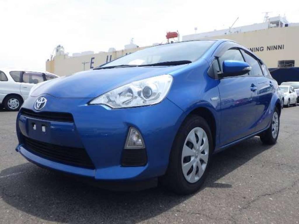 Used 2013 AT Toyota Aqua NHP10 Image[3]