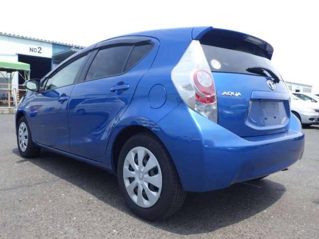Used 2013 AT Toyota Aqua NHP10 Image[5]