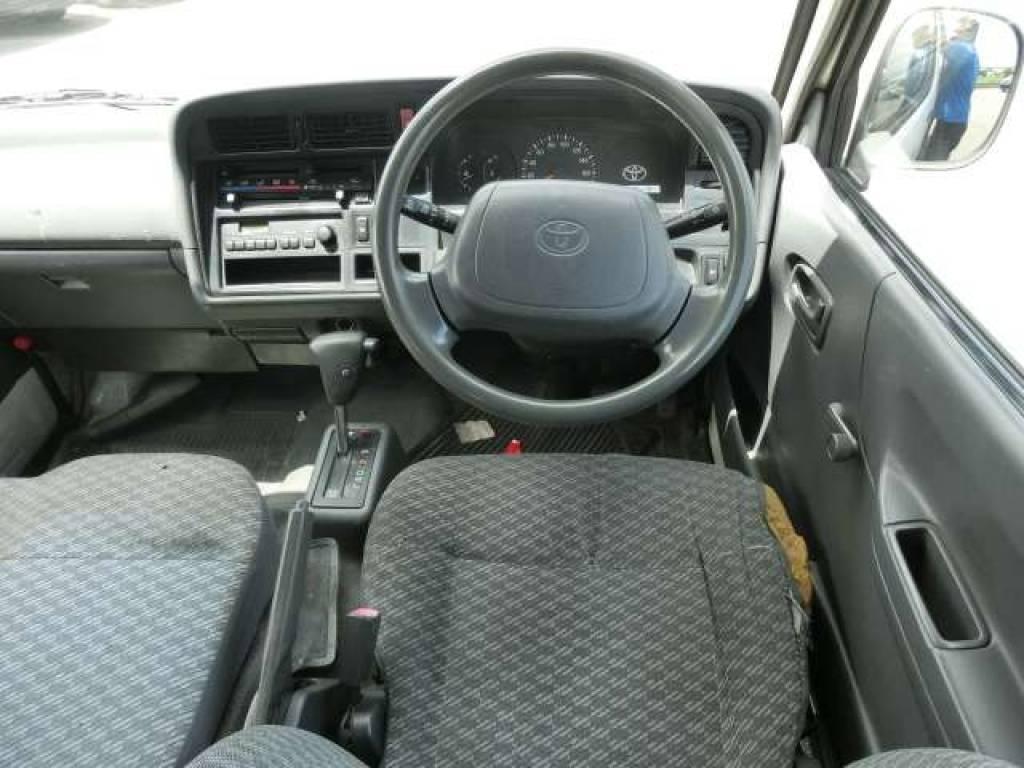 Used 2003 AT Toyota Hiace Van TRH112V Image[10]