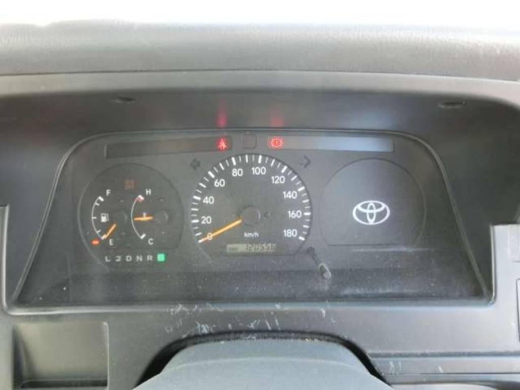 Used 1999 AT Toyota Hiace Van RZH112V Image[8]