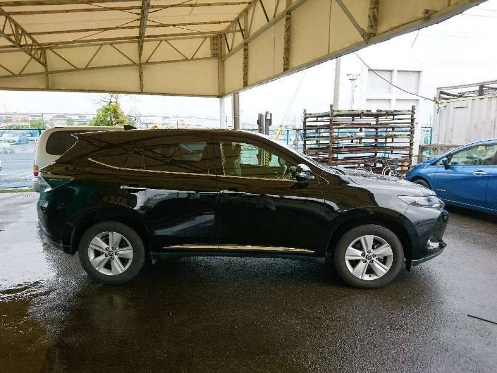 Used 2015 AT Toyota Harrier ZSU60W Image[4]