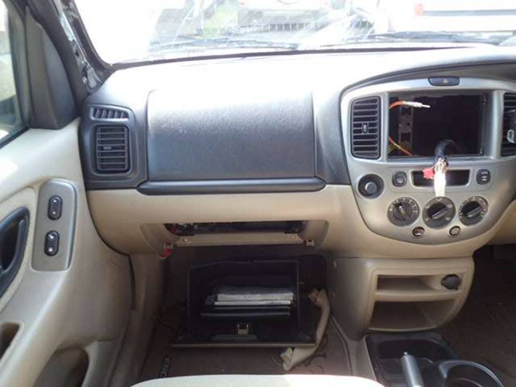 Used 2005 AT Ford Escape EP3WF Image[12]