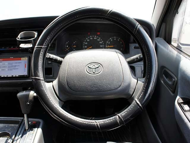 Used 2003 AT Toyota Hiace Van GE-RZH112V Image[5]