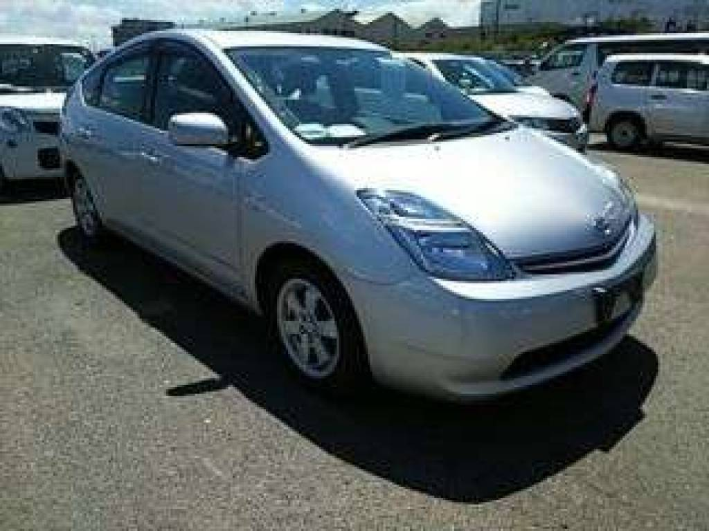 Used 2011 AT Toyota Prius NHW20