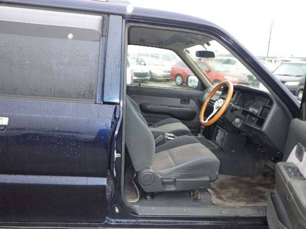 Used 1997 AT Mazda Proceed Marvie UV56R Image[11]