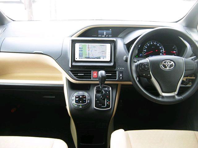 Used 2014 CVT Toyota Noah DBA-ZRR80G Image[1]
