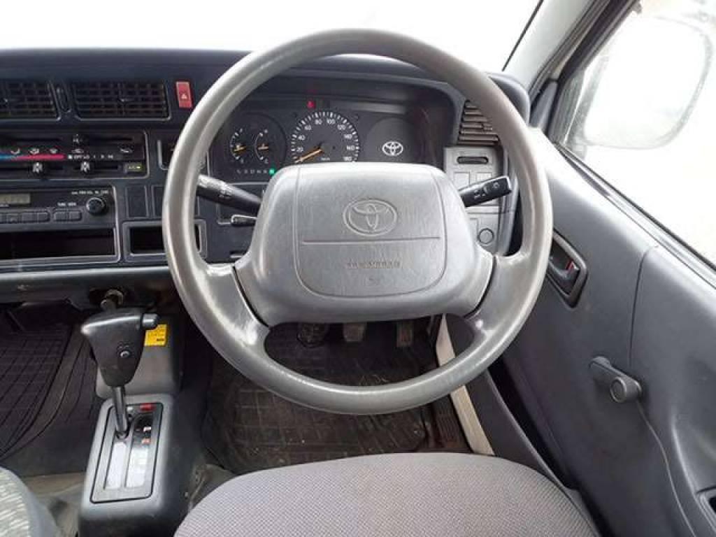Used 2002 AT Toyota Hiace Van RZH112K Image[13]