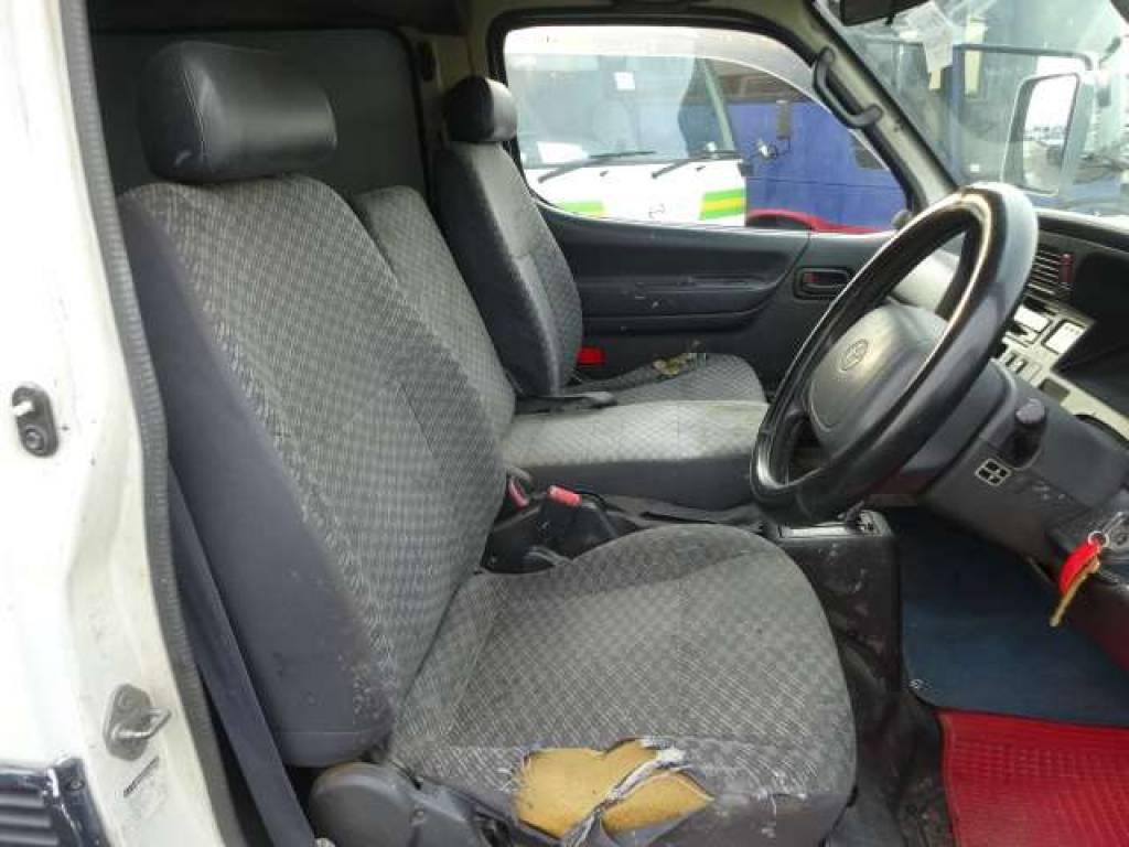Used 2002 AT Toyota Hiace Van RZH112V Image[11]