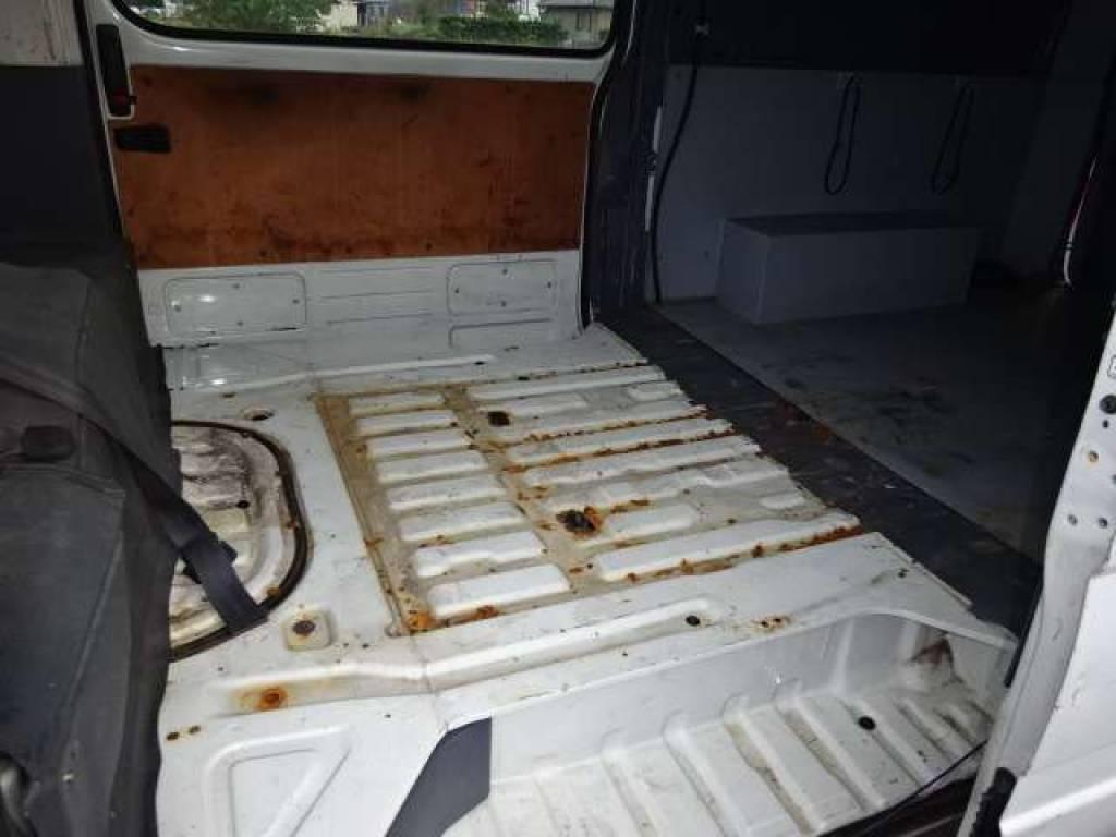 Used 2003 AT Toyota Hiace Van TRH112V Image[14]
