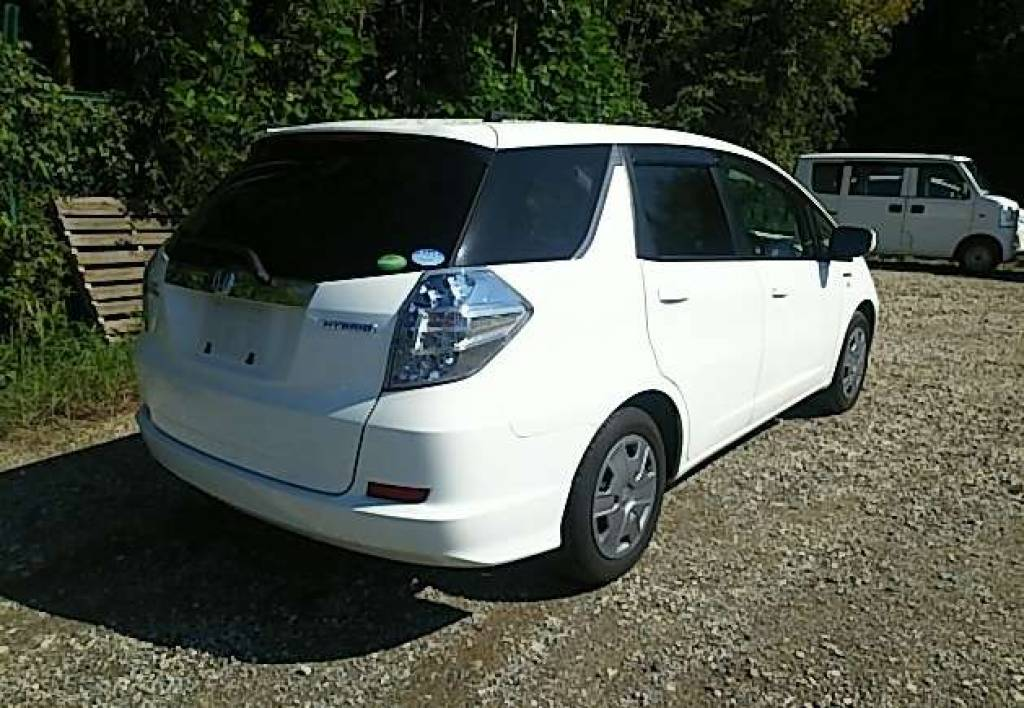 Used 2013 AT Honda Fit Shuttle GP2 Image[1]