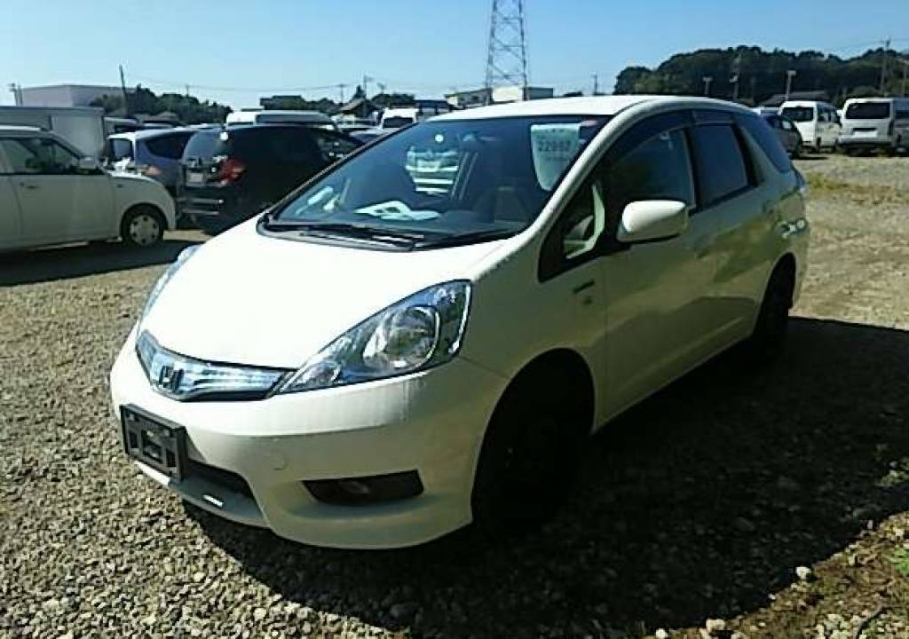 Used 2013 AT Honda Fit Shuttle GP2 Image[2]