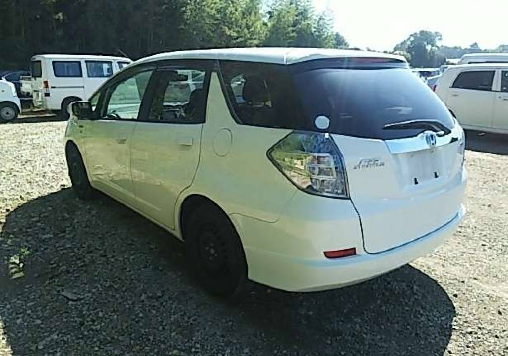 Used 2013 AT Honda Fit Shuttle GP2 Image[3]