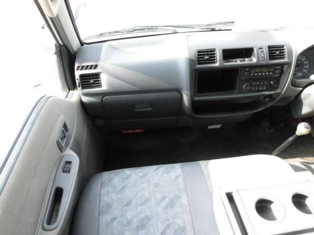 Used 2003 MT Mazda Bongo Van SK82V Image[12]