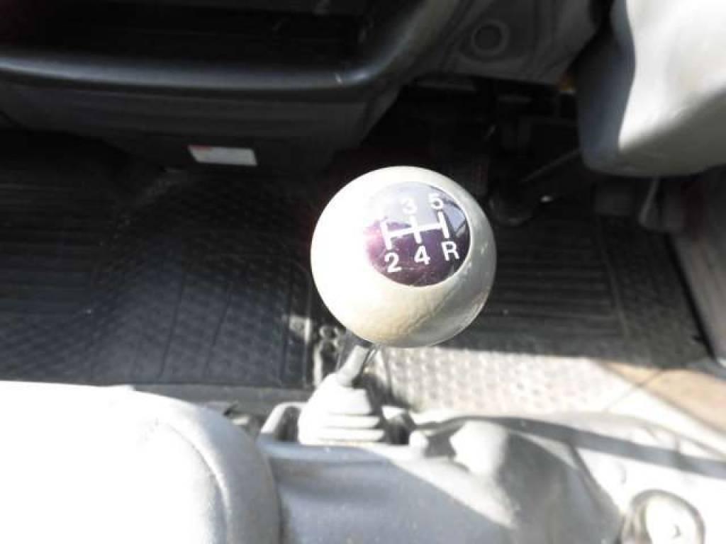 Used 2003 MT Mazda Bongo Van SK82V Image[17]
