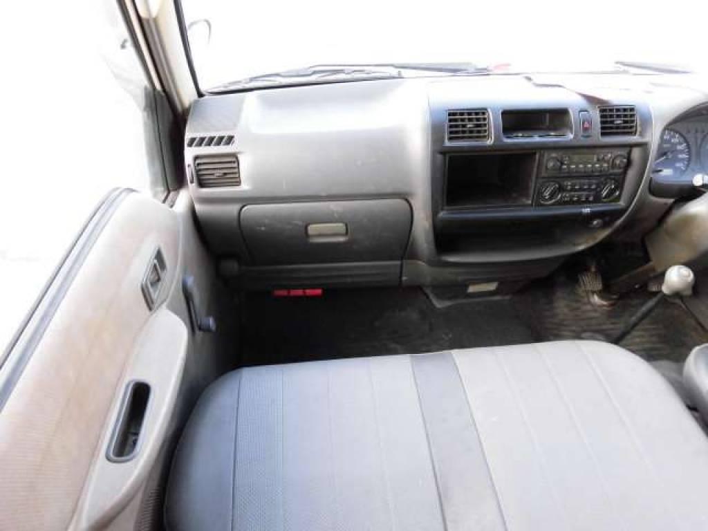 Used 2005 MT Mazda Bongo Van SK82V Image[11]