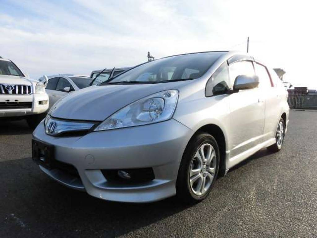 Used 2012 AT Honda Fit Shuttle GP2 Image[1]