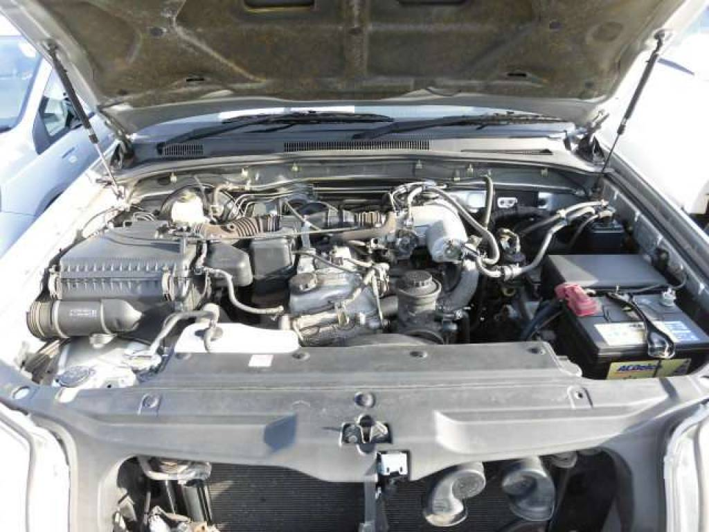 Used 2004 AT Toyota Hilux Surf RZN210W Image[6]