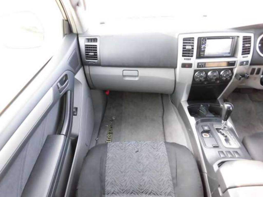 Used 2004 AT Toyota Hilux Surf RZN210W Image[12]