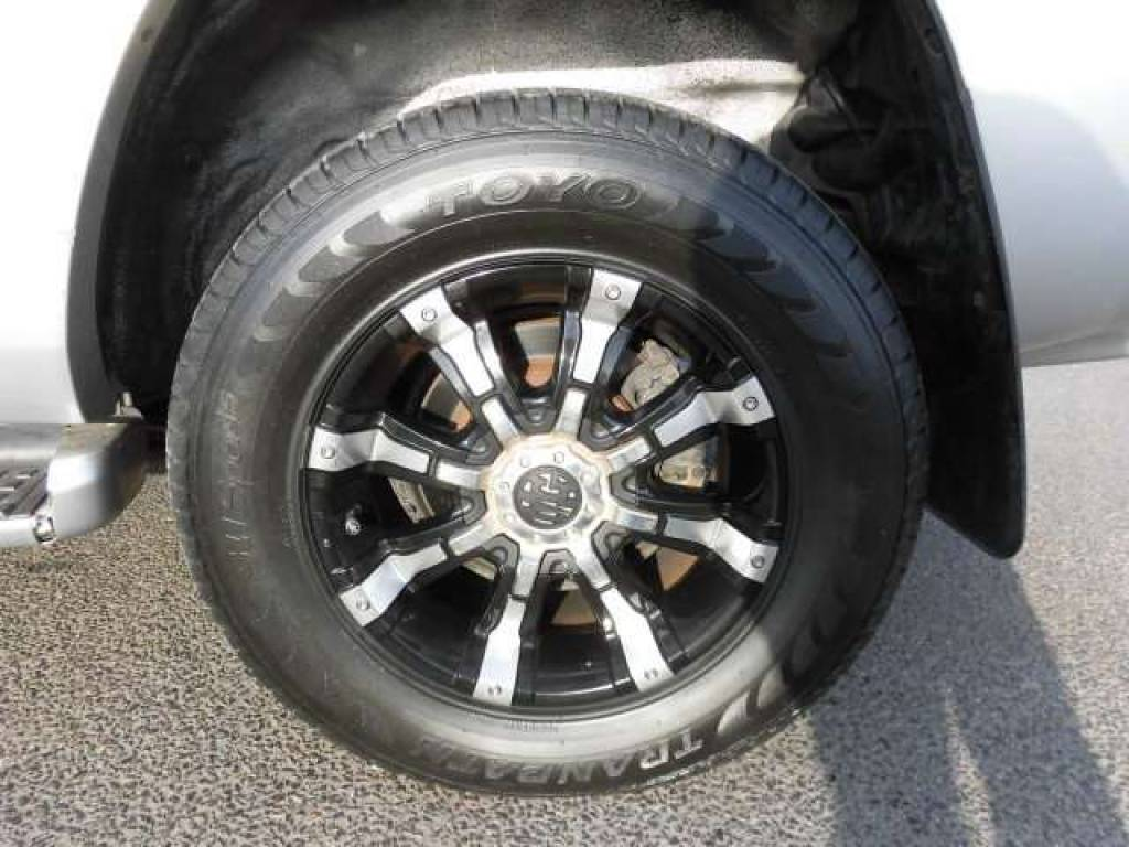 Used 2004 AT Toyota Hilux Surf RZN210W Image[22]