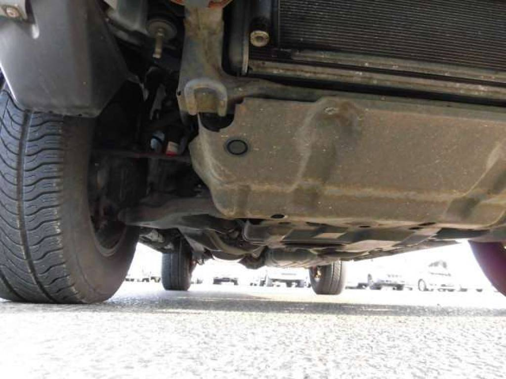 Used 2004 AT Toyota Hilux Surf RZN210W Image[26]