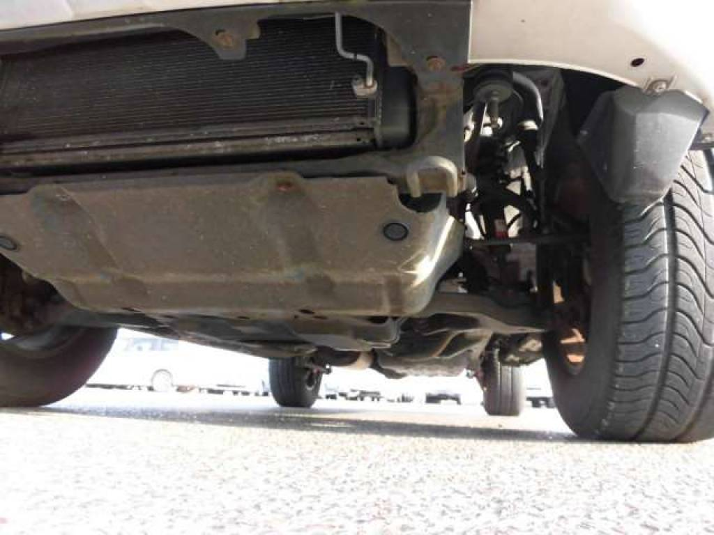 Used 2004 AT Toyota Hilux Surf RZN210W Image[27]