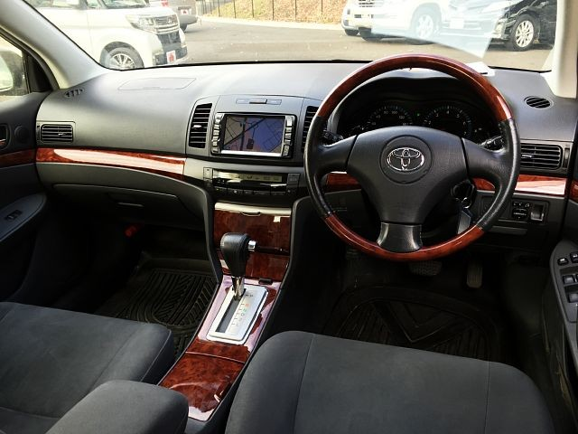 Used 2003 AT Toyota Allion UA-ZZT240 Image[1]