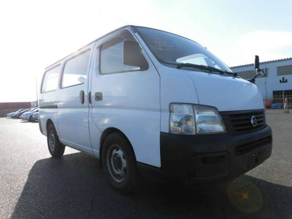 Used 2002 MT Nissan Caravan Bus VWE25