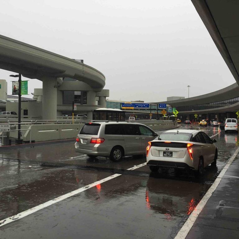 116 Domestic Terminals Departures Level, San Francisco, CA 94128, USA