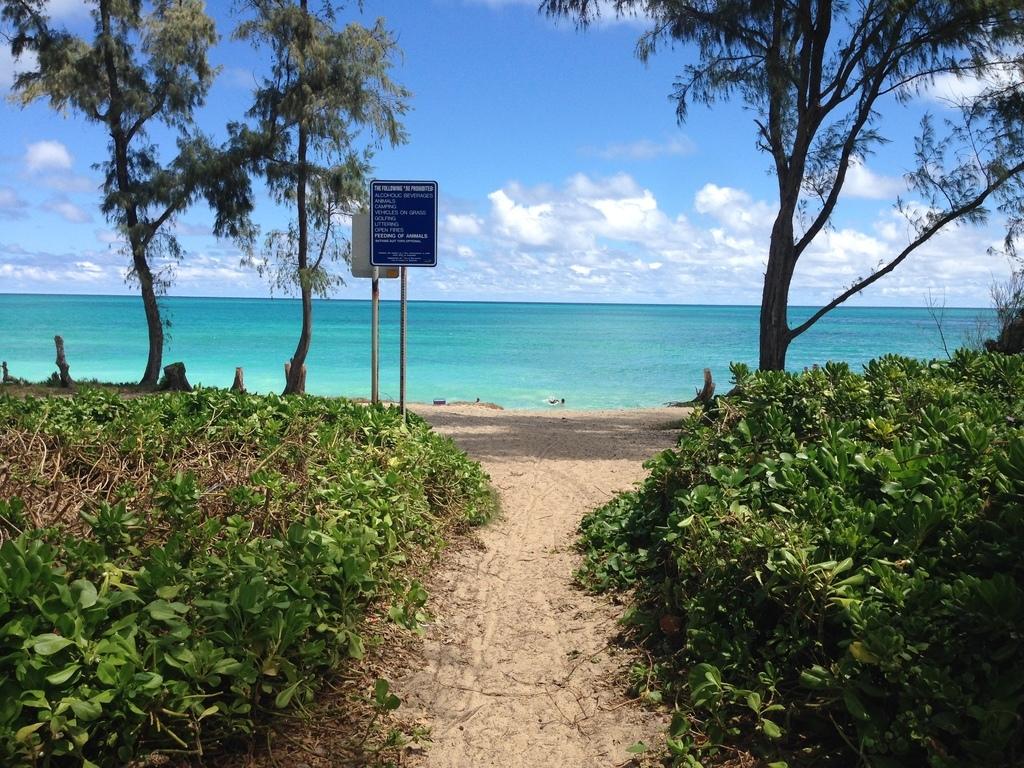Waimanalo Beach Park